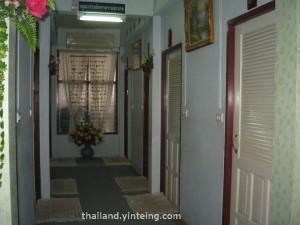 Wat Tha Karong Ayutthaya washroom