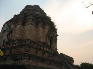 Wat Chedi Luang วัดเจดีย์หลวง in Chiang Mai
