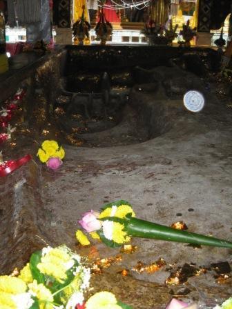 Wat Phra Phuttabat Si Roy วัดพระพุทธบาทสีรอย