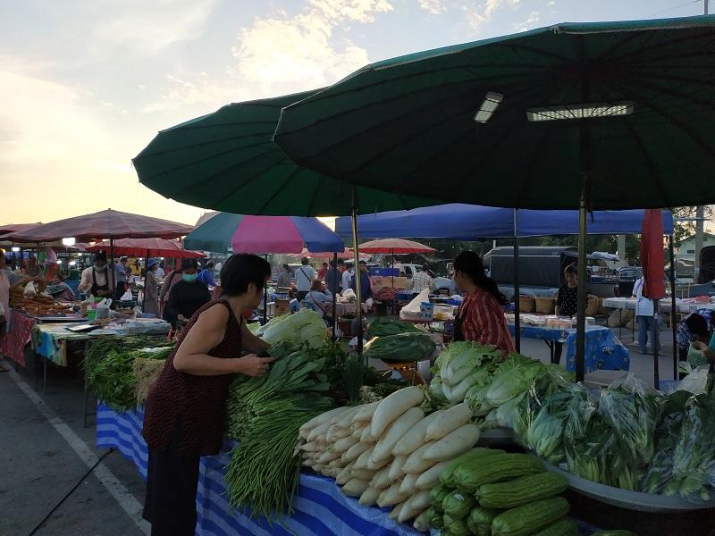 Thai wet market at a temple