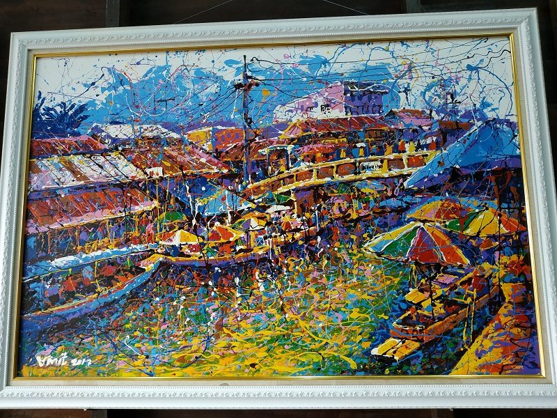 Vinit Jittana the artist in Amphawa floating market