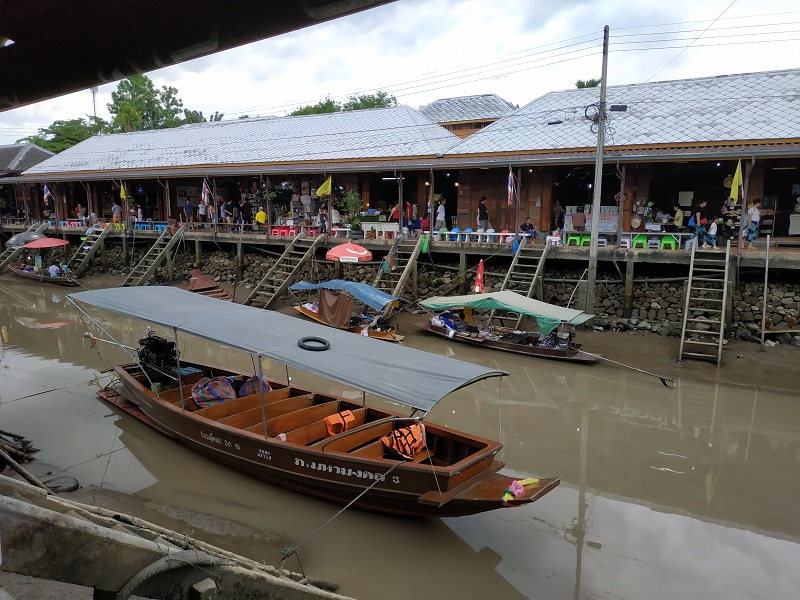 Amphawa floating market boat ride